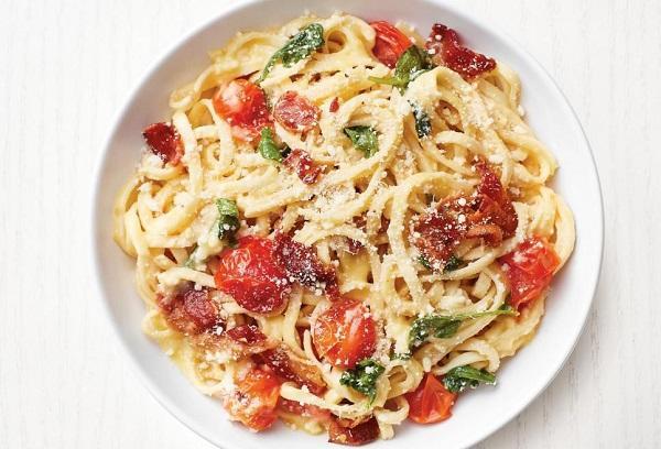 Итальянская паста с вялеными помидорами