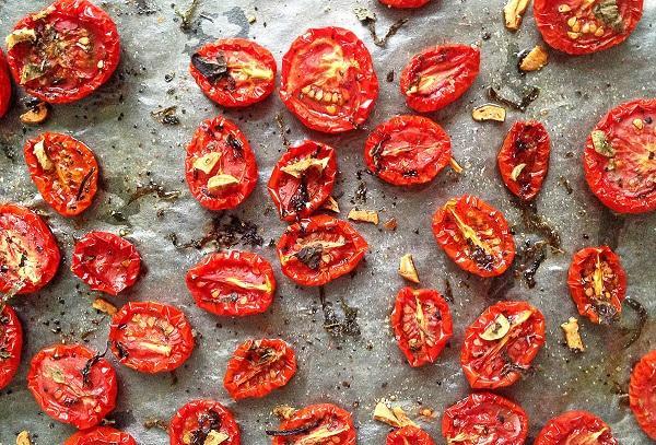 Вяленые томаты со специями