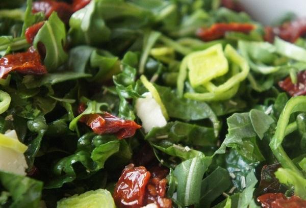 Салат со шпинатом и сыром рикотта