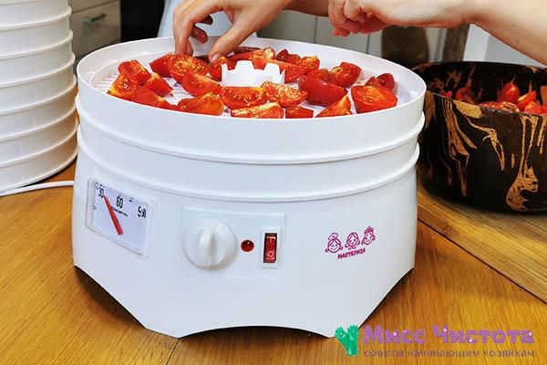 Вяленые томаты в ароматной заправке с помощью сушилки Мастерица – будут храниться в домашних условиях всю зиму