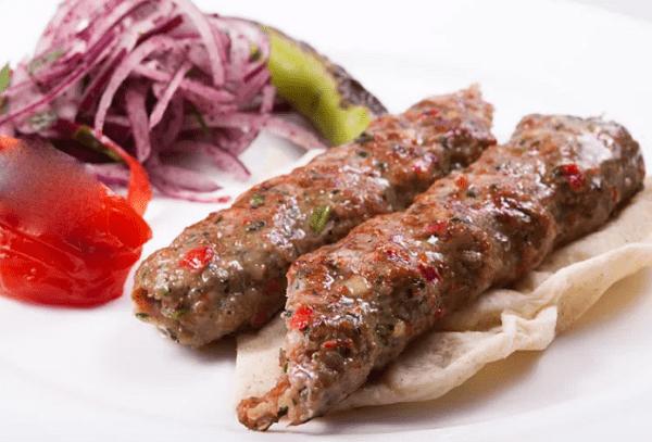 Сочный люля кебаб из говядины с курдючным жиром
